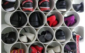 Esempio di scarpiera realizzata con tubi n pvc.