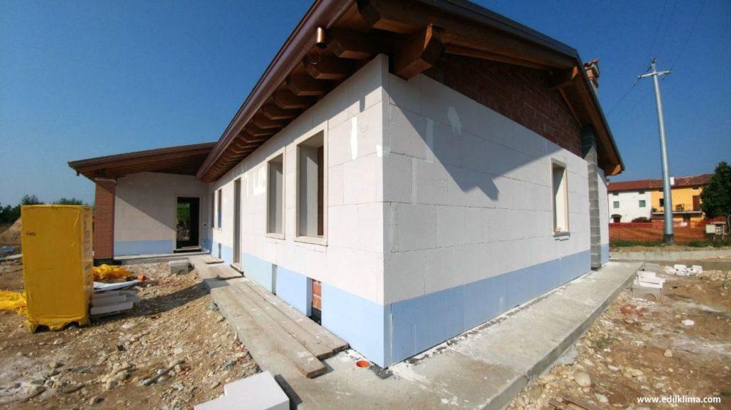 Isolamento termico: muratura in blocchi Ytong con il cappotto minerale in Multipor. Standard Passivh